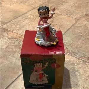 Betty Boop Queen of the Slopes Tree Ornament